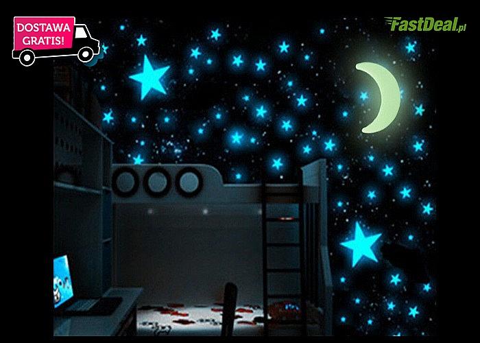 Gwieździste niebo w twoim domu za sprawą 100 NAKLEJEK ŚCIENNYCH  w formie gwiazdek i księżyca. Przesyłka GRATIS