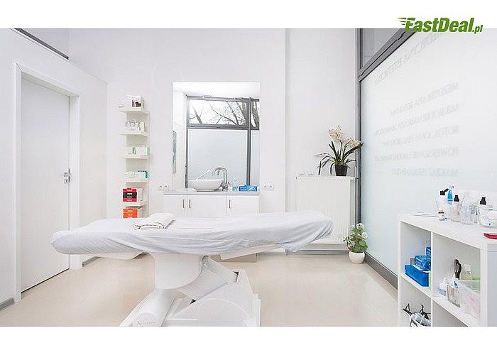 Oczyszczanie i pielęgnacja: wieloetapowy zabieg na twarz w salonie Skin Like Silk w Warszawie! 1, 2 lub 3 zabiegi!