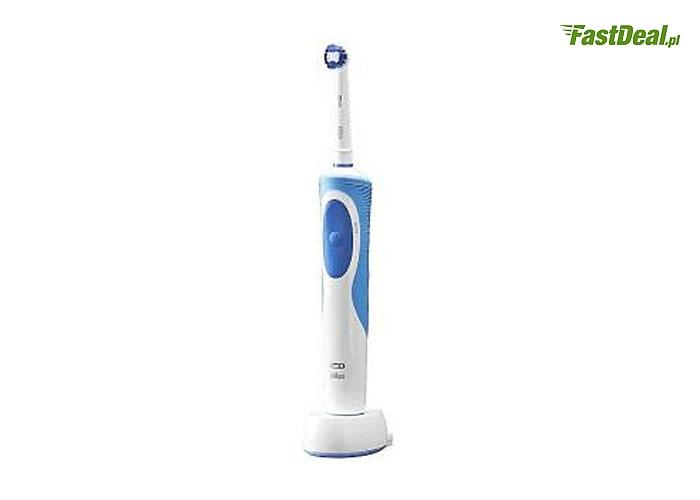 Szczoteczka Precision Clean Oral B! Marka szczoteczek do zębów rekomendowana przez najwięcej dentystów na świecie!