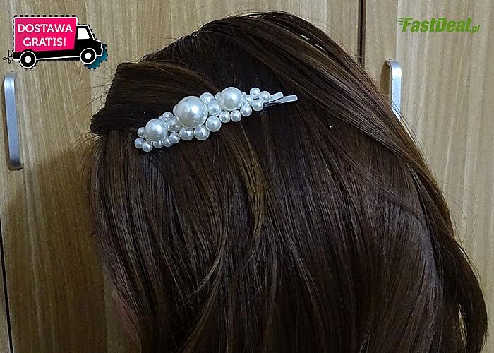 Biżuteryjne spinki to must-have tego sezonu! Ozdobią każdą fryzurę!