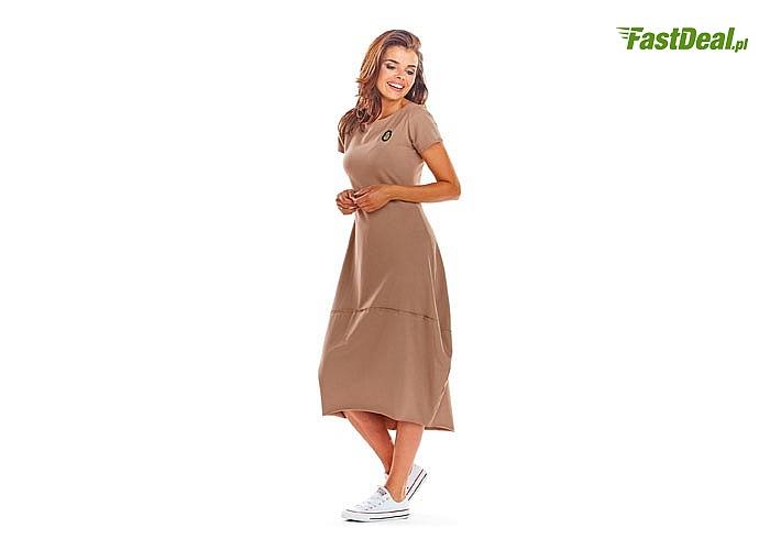 Dopasowana sukienka z dzianiny rozszerzana ku dołowi! Najwyższa jakość wykonania! Modny fason!