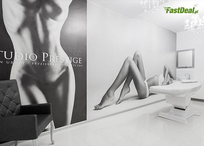 Wybielanie zębów lampą Beyond Polus w Studio Prestige przy galerii Mokotów! Efekt widoczny już po 1 zabiegu!