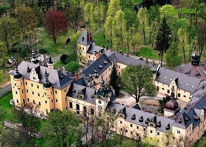 Królewskie pobyty w Zamku Kliczków! Poczuj klimat majestatycznego obiektu skrytego w leśnej głuszy!