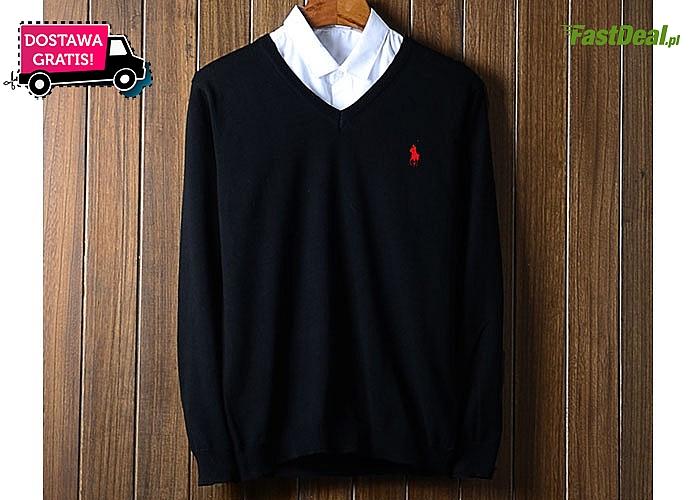 Najwyższa jakość w przystępnej cenie! Modny sweterek z dekoltem w serek od Ralph Lauren!