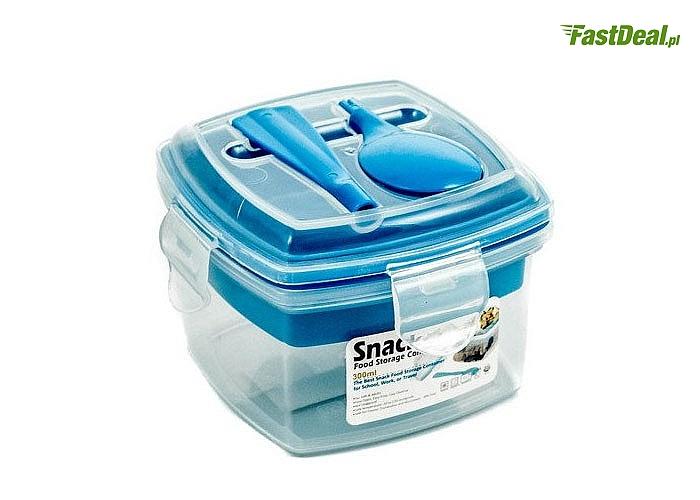 Okrągły lub kwadratowy pojemnik na żywność. Dwukomorowy, w komplecie z łyżką.