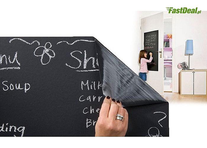 Tablica samoprzylepna uchroni ściany, drzwi, meble lub inne przedmioty, na których Twoje dziecko kocha malować