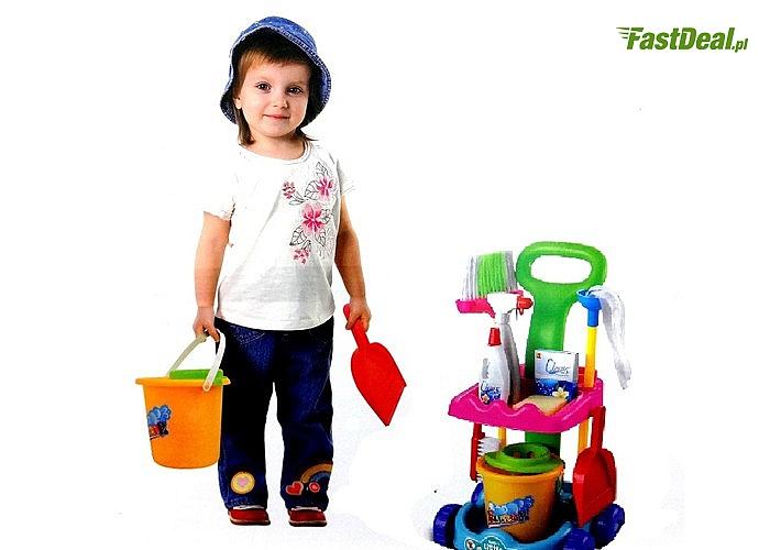 Zestaw do sprzątania dla dziecka z wózkiem i wiaderkiem