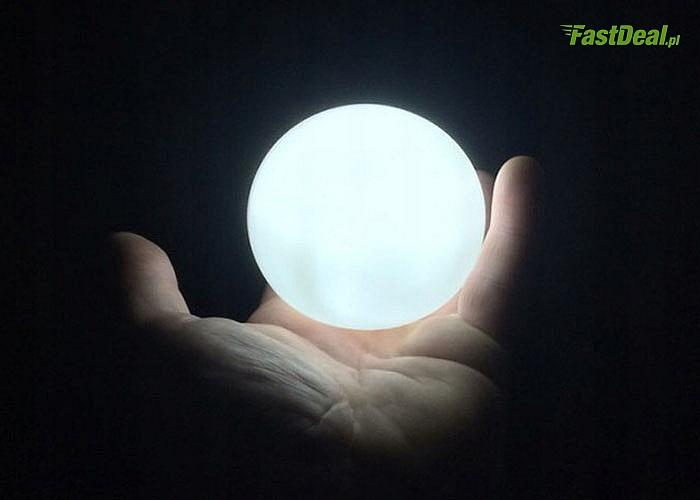 Niezwykła lampa nocna LED w kształcie księżyca! Dwa modele do wyboru! Zapewnij sobie przyjemną atmosferę w pokoju!
