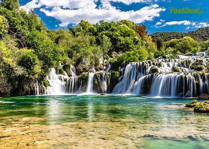 Chorwacja zachwyci Cię malowniczymi krajobrazami. Autokarowa wycieczka z wyżywieniem i noclegiem. Opieka pilota.