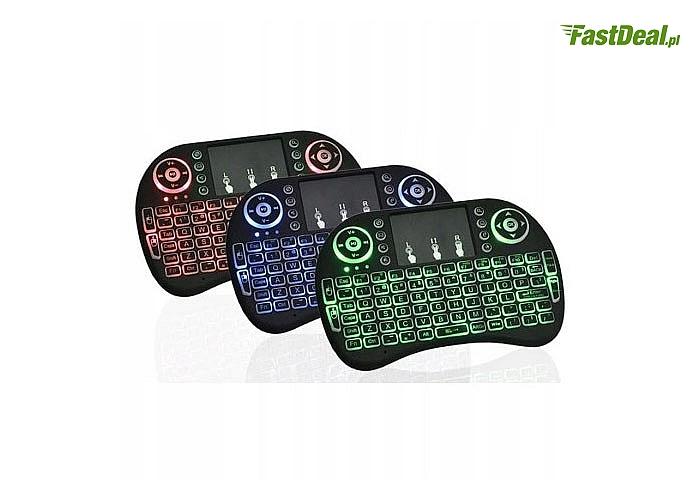 Mini klawiatura bezprzewodowa z podświetleniem klawiszy oraz funkcyjnym touchpadem z 3 dodatkowymi przyciskami