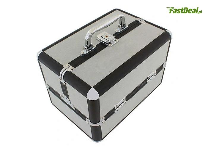 Profesjonalny i elegancki kuferek to idealna równowaga między stylem, a funkcjonalnością