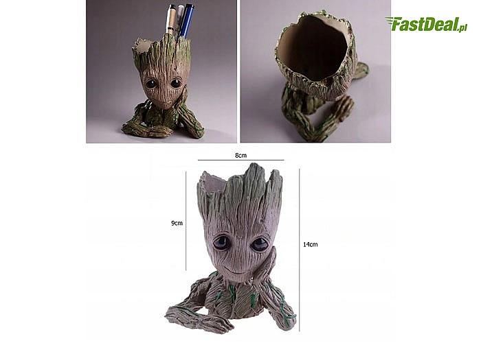 Doniczka w kształcie znanego każdemu miłośnikowi kinowych hitów małego drzewka Groot z filmu Strażnicy Galaktyki