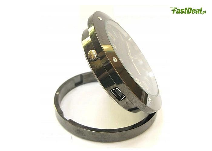 Zegarek wskazówkowy z ukrytą kamerą i wejściem USB oraz na kartę microSD do 32GB.