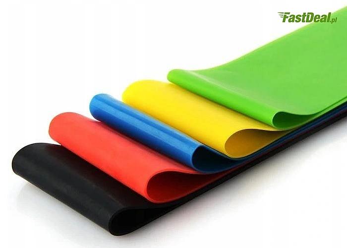Zestaw pięciu elastycznych i wytrzymałych taśm gumowych do ćwiczeń