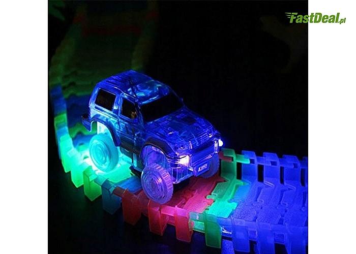 świecący tor wyścigowy 228 lub 360 elementów z autkiem w zestawie. Magik Track zapewni dziecku wspaniałą zabawę!!!