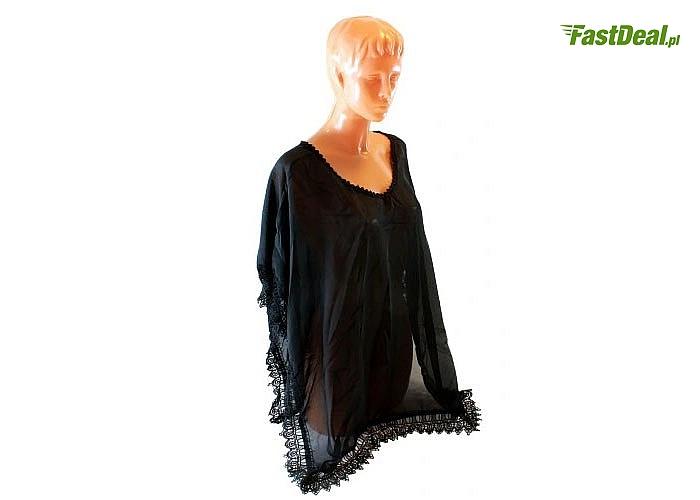 Zwiewna, lekka i delikatna sukienka plażowa, doskonale komponuje się ze strojem kąpielowym
