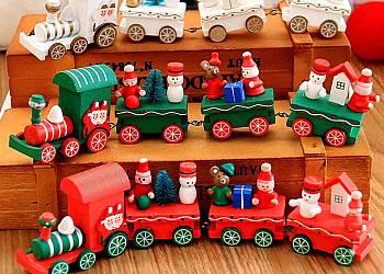 Drewniane pociągi z wagonikami