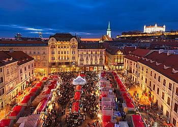 Jarmark świąteczny w Bratysławie
